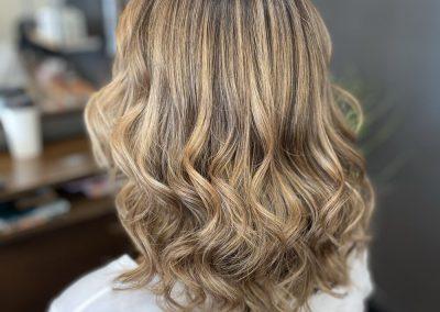 Caramel blonde wavy hair